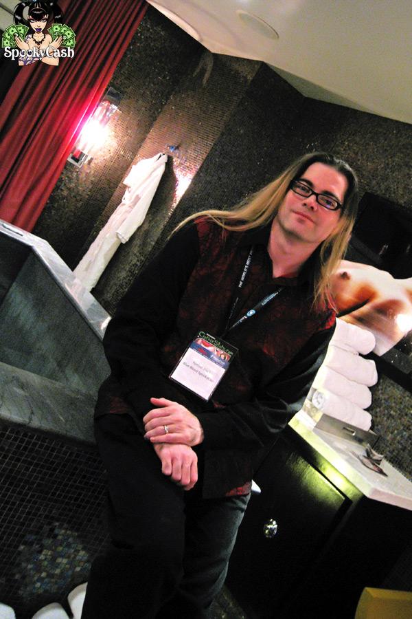 Internext 2012 - MTV Real World Suite Forrest Black